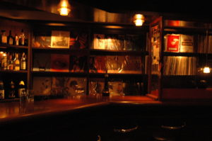 居酒屋やバーbarのリフォームと改装